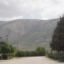 The syrian border is right along the ridge of this range.