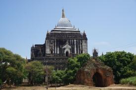 Thatbyinnyu Temple - Tallest pagoda in Bagan